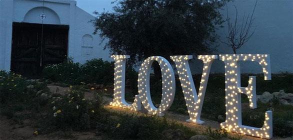 palabra-love-de-1m-altura-iluminada-2 (1)
